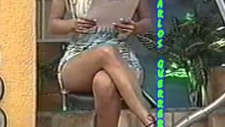 getlinkyoutube.com-Ingrid Coronado Enseñando Piernas Patotas2