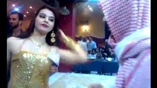 getlinkyoutube.com-Oil sheikh throws away 2 million dollars !!!!!2M Arab mujra 2014