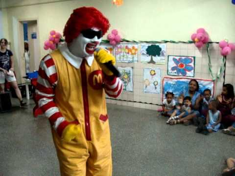 Ronald McDonald na Apae Salvador