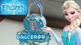 getlinkyoutube.com-Dulcero o Bolso de CD de frozen (material reciclado)/ Frozen's Elsa Candy Bag