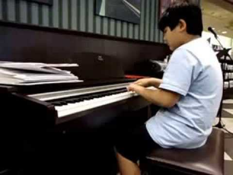 Grandson2 Playing Piano (Fvid) 3 802014