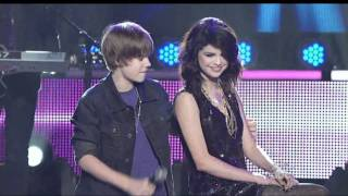 getlinkyoutube.com-Justin Bieber  Singing To Selena Gomez On Stage - One Less Lonely Girl [HD  1080p]