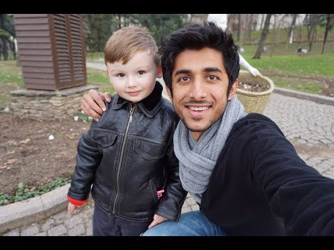 Who is this doll? منو هذا الدمية ؟ - Travel VLOG - Turkey 2015 (1/4)