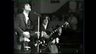 "getlinkyoutube.com-The KinKs ""Tired Of Waiting For You"" (Live Video 1965)"