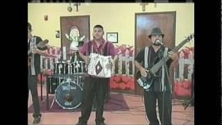 getlinkyoutube.com-Acordeones de Tejas-San Antonio de Noche.mpg