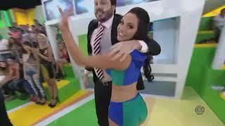 getlinkyoutube.com-Aline Mineiro Panicat (Aline Queiroz Arena SBT) Mix 01