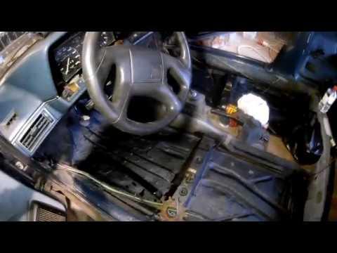 Где у Порше 911 предохранитель открывания багажника