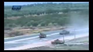 getlinkyoutube.com-Pemberontak suriah menyerang konvoi tank tentara assad