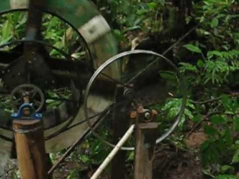 Gerador de Energia Elétrica por meio de Roda D'água