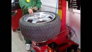getlinkyoutube.com-Vulcanizare Top Wheels Auto.mp4