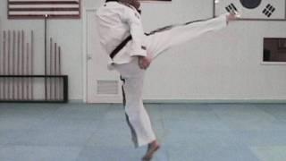 getlinkyoutube.com-Taekwondo Tornado Kick Tutorial (taekwonwoo)