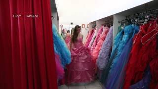 getlinkyoutube.com-Prova de Vestido - 15 Anos Carol Alves