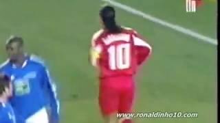 getlinkyoutube.com-Time do Ronaldinho vs. do Shevchenko