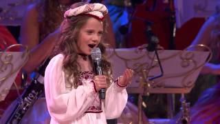 getlinkyoutube.com-Она вышла на сцену и начала петь, в зале плакали