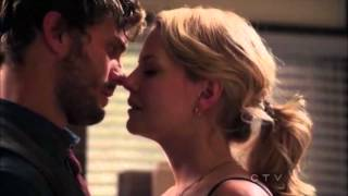 getlinkyoutube.com-Emma&Graham Kiss