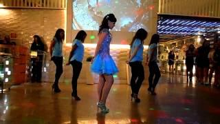 Abertura da pista de dança - 15 anos Júlia