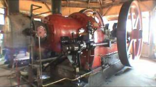 getlinkyoutube.com-20,175 Cubic Inch Single Cylinder Engine - Running