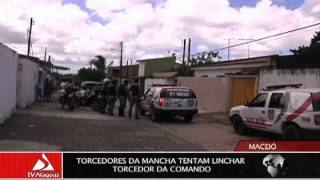 getlinkyoutube.com-TORCEDORES DA MANCHA TENTAM LINCHAR TORCEDOR DA COMANDO
