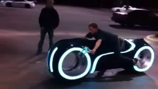 getlinkyoutube.com-Tron -light Bike