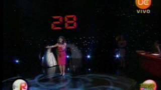 Karen Matus canta a capella en final de Alfombra Roja