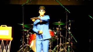 getlinkyoutube.com-salah robot dance 2015