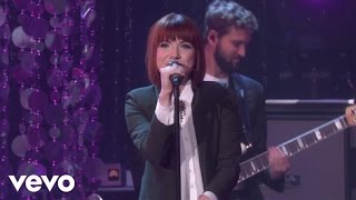 getlinkyoutube.com-Carly Rae Jepsen - I Really Like You (Live On The Ellen DeGeneres Show)