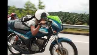 """getlinkyoutube.com-Konvoi """"ride to tanjung balau"""" 2stroke sahaja+2 kereta (E22)"""