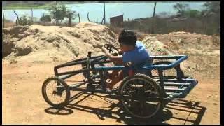 getlinkyoutube.com-Carrinho com pedal feito em PVC.