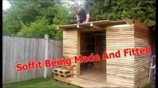 getlinkyoutube.com-Pallet Summerhouse (Roosters Cabin)