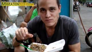 "getlinkyoutube.com-Eating Live ""Dancing Shrimp"" (Goong Ten, กุ้งเต้น) in Bangkok, Thailand"