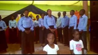 Kwaya injili nakivale Uganda width=