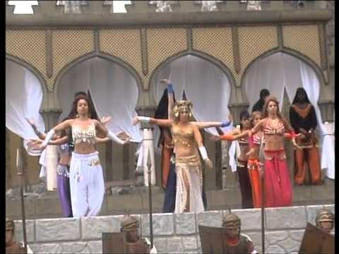 Bailarinas de Herodes. Pasion Viviente 2011 CASTRO URDIALES