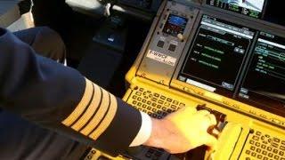 getlinkyoutube.com-【感動実話】すべての乗客が感動した日航機長のアナウンスとは・・・