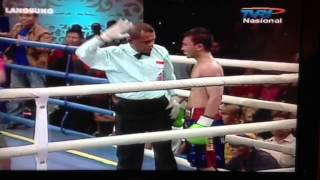 Video: Lo matan en el Ring