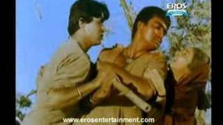 Sunil Dutt gets real aggressive | Mother India