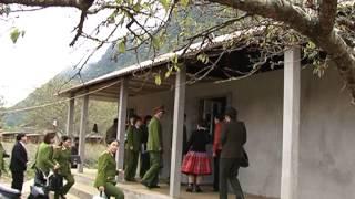 Phụ nữ Lóng Luông  tích cực tham gia tuyên truyền vì bình yên bản làng