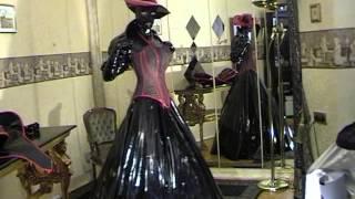 getlinkyoutube.com-Fetisch Bizarre Crossdressing Mode Lack Outfits Schwarz Rot Weisse Kontraste