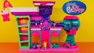 getlinkyoutube.com-Littlest Pet Shop Sweet Delights Sweet Shoppe Play Set LPS Playset Rolleroos