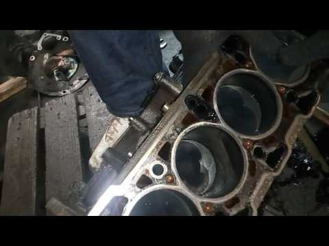 Где топливный насос в Lancia Lybra