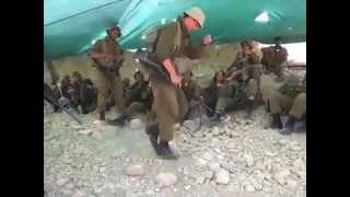 getlinkyoutube.com-الجنود الاسرائيليين يرقصون على اغنية بشرة خير