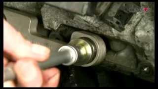 getlinkyoutube.com-Extraer Calentador Roto y Reparar Rosca con KL-1683-20 K