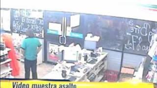 getlinkyoutube.com-Video muestra asalto donde policía encubierto mata a ladrón