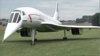 getlinkyoutube.com-A huge Concorde RC plane powered by two turbines.