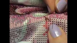 getlinkyoutube.com-Вышивка бисером. Организация рабочего места и сам процесс вышивки.