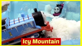 getlinkyoutube.com-Thomas and Friends Toy Trains Thomas the Tank Engine Icy Mountain Drift Trackmaster Accidents Happen