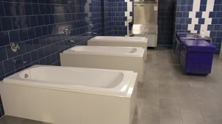 getlinkyoutube.com-แก้ผ้าก็เห็นกันหมดซิ! เปิดห้องน้ำสนามแข่งบุรีรัมย์ ยูไนเต็ด: Buriram United ที่สาวกต้องร้องอื้อหือ!