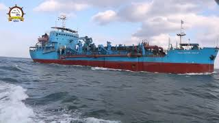 رئيس هيئة ميناء دمياط يستقبل الكراكة عبور بورسعيد