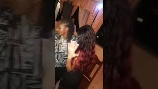 Video mwanamke aliyemvisha pete mwanamke mwenzie