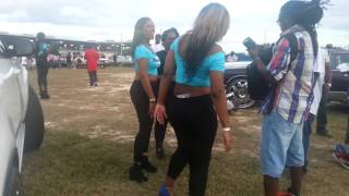 getlinkyoutube.com-Riding Big Car Show 2014 Hot Model, Beautiful Girls, Big 32 Inch Rims on Cars Donk (part 1)