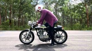 getlinkyoutube.com-Yamaha SR400 Café Racer Custom - 2015 model review